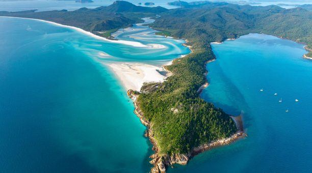 View of the stunning Hill Inlet and everchanging swirling sands